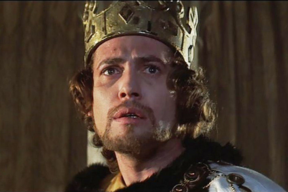 a contrast of macbeth by william shakespeare and the movie version of roman polanski Get an answer for 'how does roman polanski and trevor nunn present the play macbeth in contrast to shakespeare please refer to themes and quotes thanx a lot' and find homework help for other.